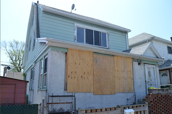 Many Gerritsen Beach homeowners are still dealing with the impact of Superstorm Sandy. Eagle photos by Rob Abruzzese