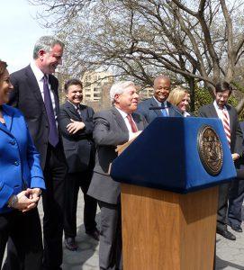 Photo of Mayor de Blasio and officials