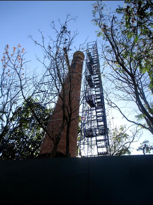 The Vitagraph smokestack, at East 15th Street and Locust Avenue, is an artifact from the historic Vitagraph Studios.