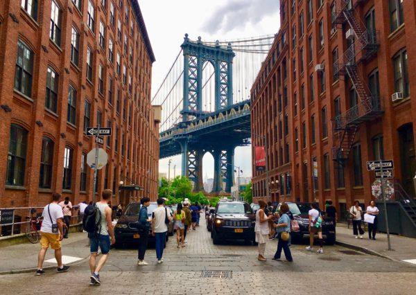 Welcome to Washington Street, Brooklyn's premier photo hot spot. Photo: Lore Croghan/Brooklyn Eagle