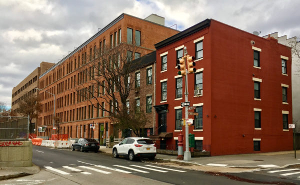 The Cobble Hill House is located on Hicks Street, right beside the Brooklyn-Queens Expressway.