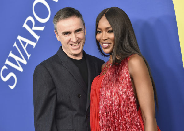 Designer Raf Simons supermodel and Naomi Campbell arrive at the 2018 CFDA Fashion Awards at the Brooklyn Museum. Photo by Evan Agostini/Invision/AP
