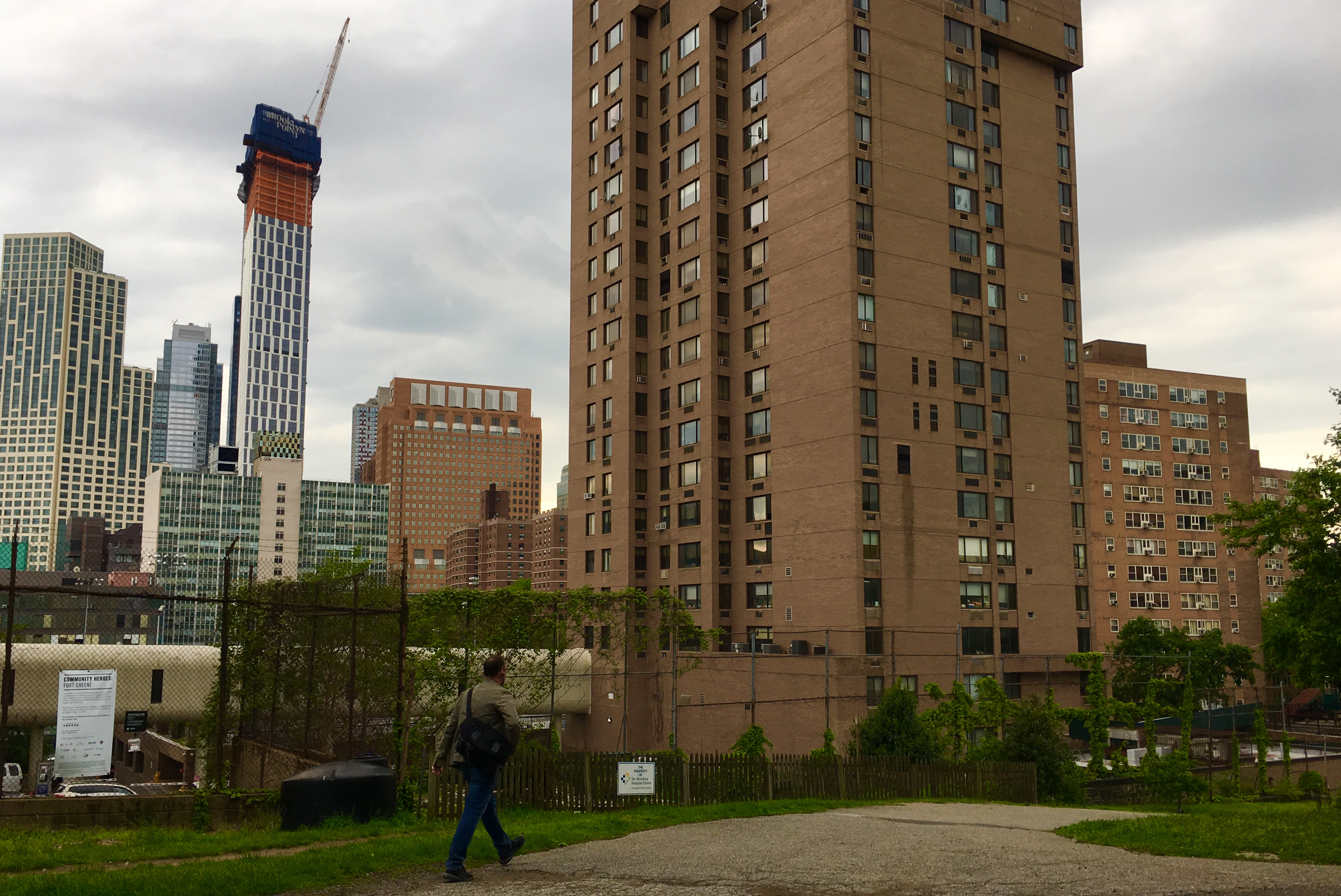 The tower at right is the Maynard Building. Downtown Brooklyn skyscrapers are visible in the distance. Eagle photo by Lore Croghan
