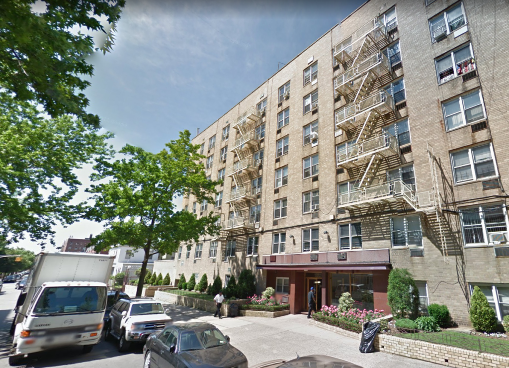 250 East 29th Street, owned by Jason Korn, has hundreds of violations. Photo: Google Maps