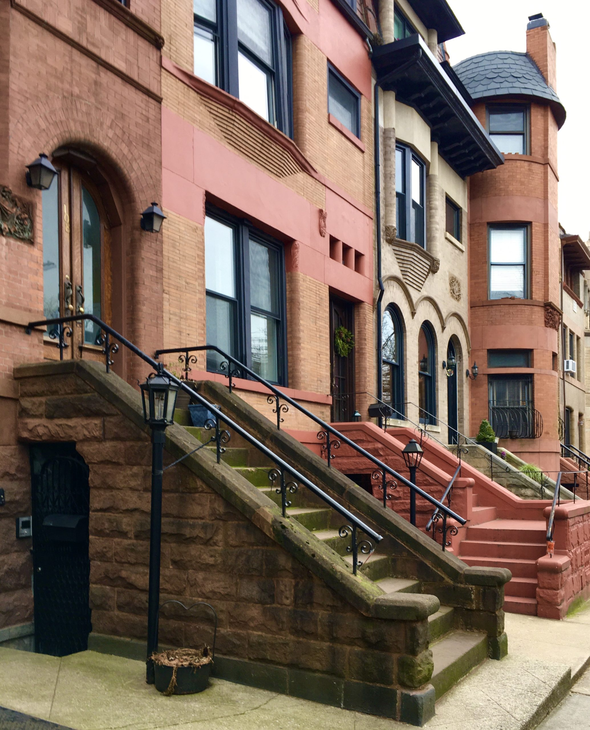 Architecture firm Langston and Dahlander designed these Garfield Place residences. Photo: Lore Croghan/Brooklyn Eagle